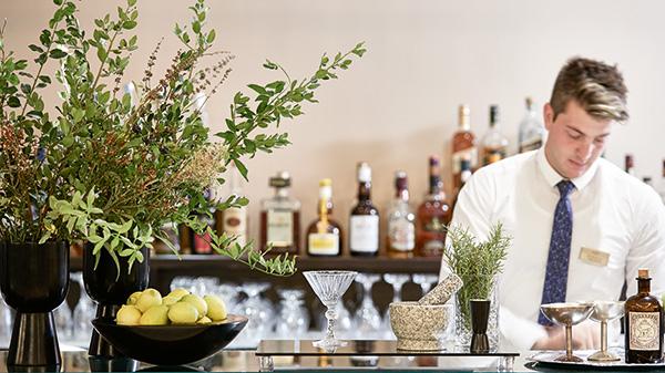 Lounge Bar | Cape Sounio 5 star Hotel near Athens, Greece